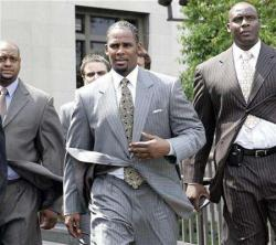 2008-06-12t225312z_01_nootr_rtridsp_2_entertainment-rkelly-trial-col