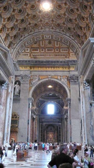Vaticanstpetersinsidethree